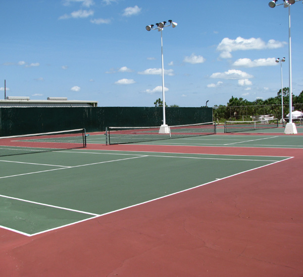 Tennis courts at Pinnacle Port