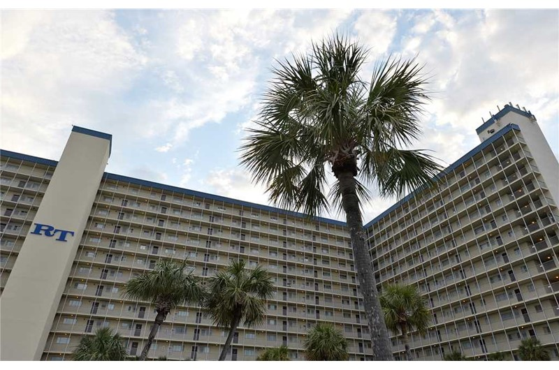 Regency Towers in Panama City Beach FL is directly on the Gulf