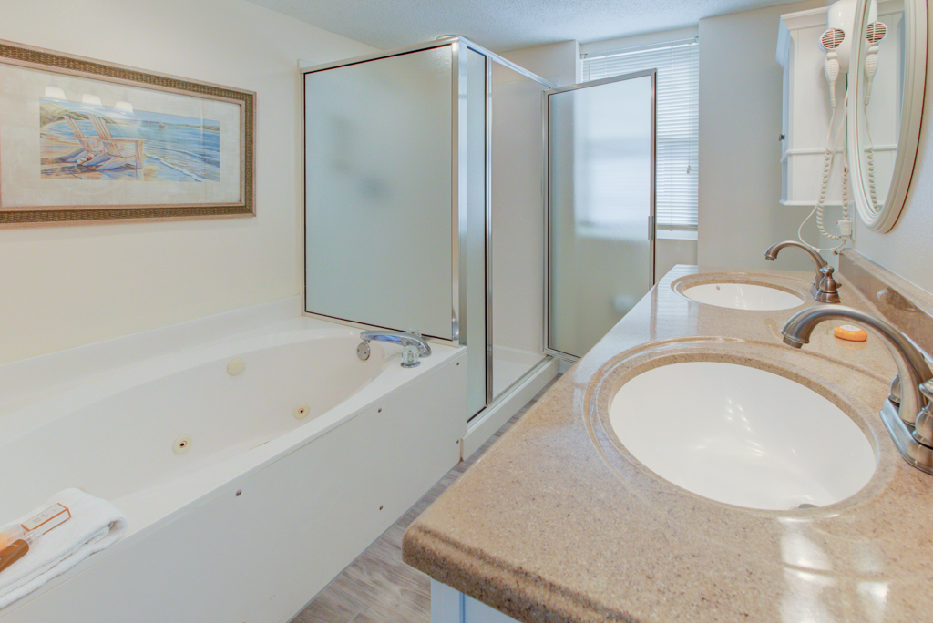 Pelican Beach Resort 1001 Condo rental in Pelican Beach Resort in Destin Florida - #17