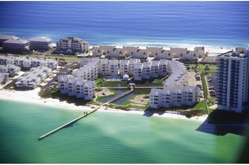 Baywatch Condos - https://www.beachguide.com/pensacola-beach-vacation-rentals-baywatch-condos-8411164.jpg?width=185&height=185