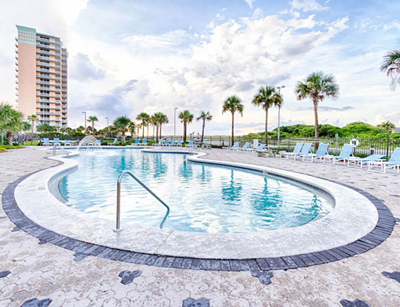 Great pool at Emerald Dolphin in Pensacola Beach Florida