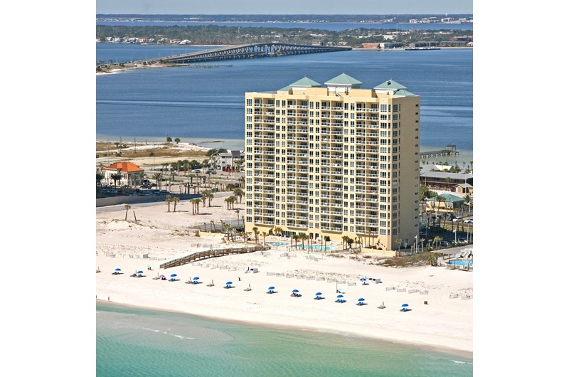 Emerald Isle is directly on the beach in Pensacola Beach Florida