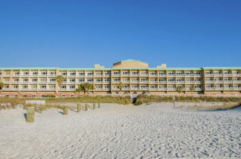 Hampton Inn Pensacola Beach - https://www.beachguide.com/pensacola-beach-vacation-rentals-hampton-inn-pensacola-beach--1953-0-20215-5131.jpg?width=185&height=185