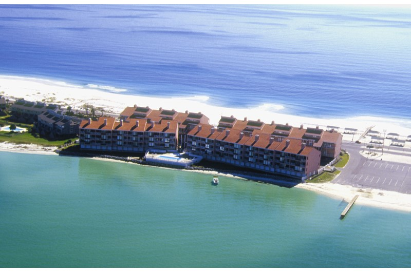 Palm Beach Club - https://www.beachguide.com/pensacola-beach-vacation-rentals-palm-beach-club--1641-0-20166-mg5091.jpg?width=185&height=185
