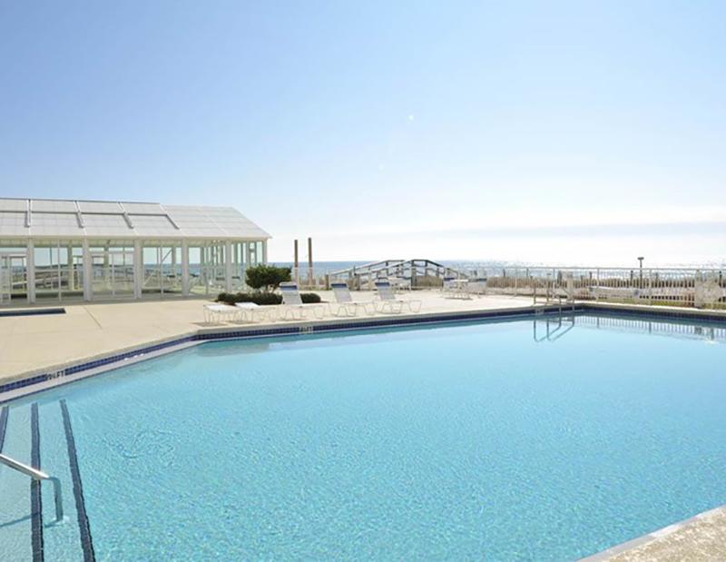 Huge pool at Perdido Sun Condominiums in Perdido Key Florida