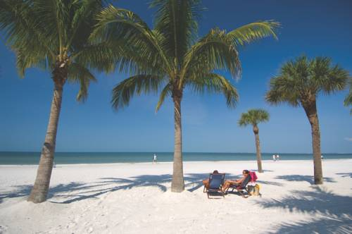Pierview Hotel and Suites in Fort Myers Beach FL 94