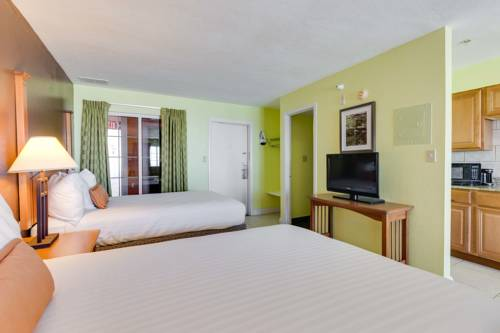 Pierview Hotel And Suites in Fort Myers Beach FL 38