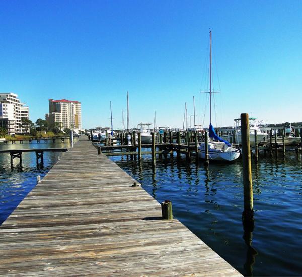 Pirates' Bay Guest Chambers & Marina fishing pier in Fort Walton Florida