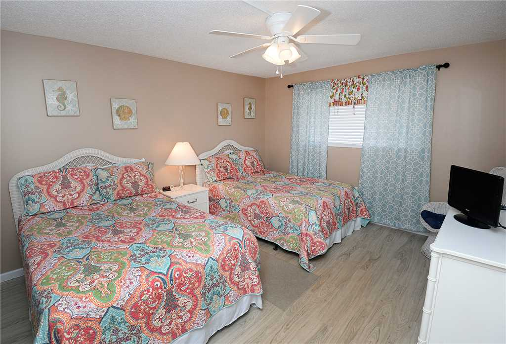 Regency 712 2 Bedrooms Beachfront Wi-Fi Pool Sleeps 8 Condo rental in Regency Towers in Panama City Beach Florida - #15
