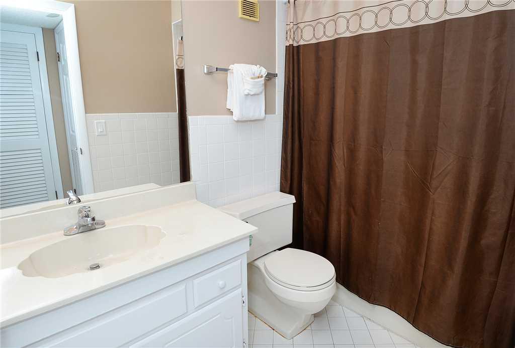 Regency 712 2 Bedrooms Beachfront Wi-Fi Pool Sleeps 8 Condo rental in Regency Towers in Panama City Beach Florida - #17