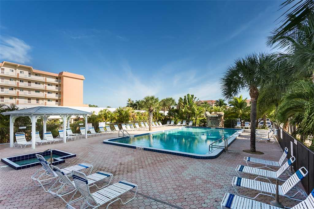 Riviera Club 706 2 Bedrooms Ocean Front Elevator Heated Pool Sleeps 6 Condo rental in Riviera Club in Fort Myers Beach Florida - #19