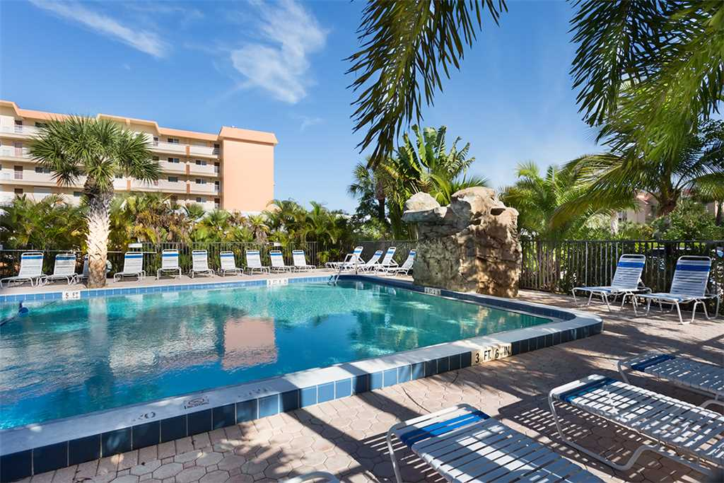 Riviera Club 706 2 Bedrooms Ocean Front Elevator Heated Pool Sleeps 6 Condo rental in Riviera Club in Fort Myers Beach Florida - #20