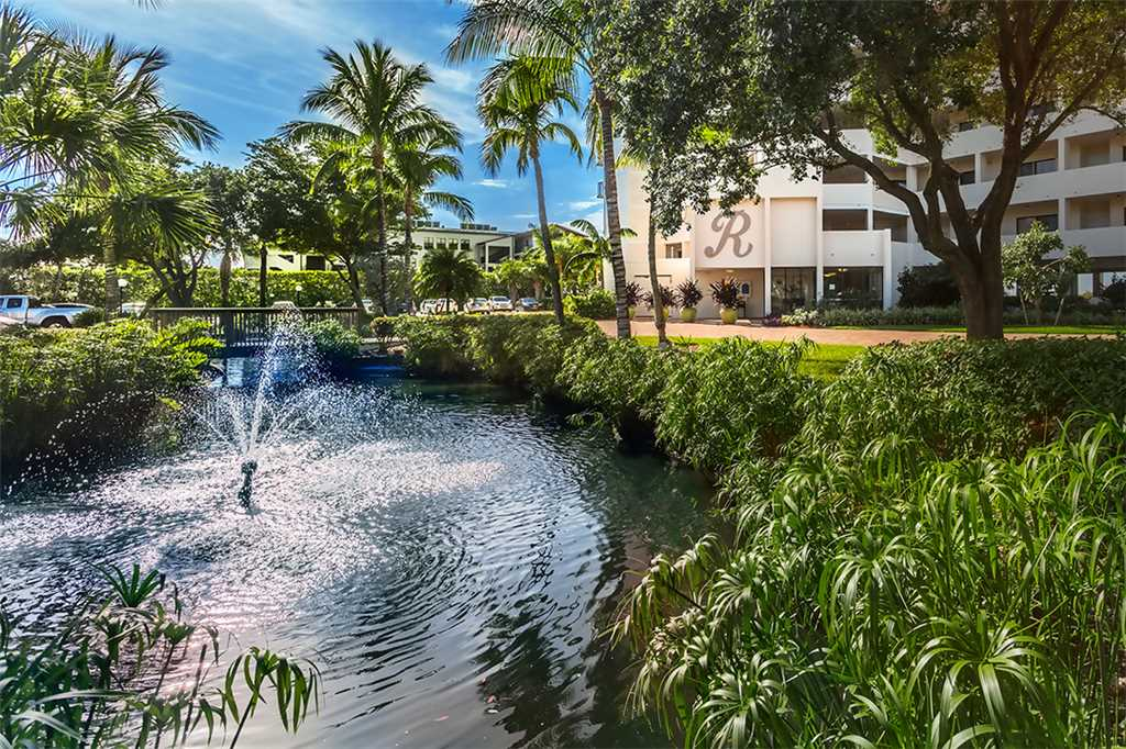 Riviera Club 706 2 Bedrooms Ocean Front Elevator Heated Pool Sleeps 6 Condo rental in Riviera Club in Fort Myers Beach Florida - #23