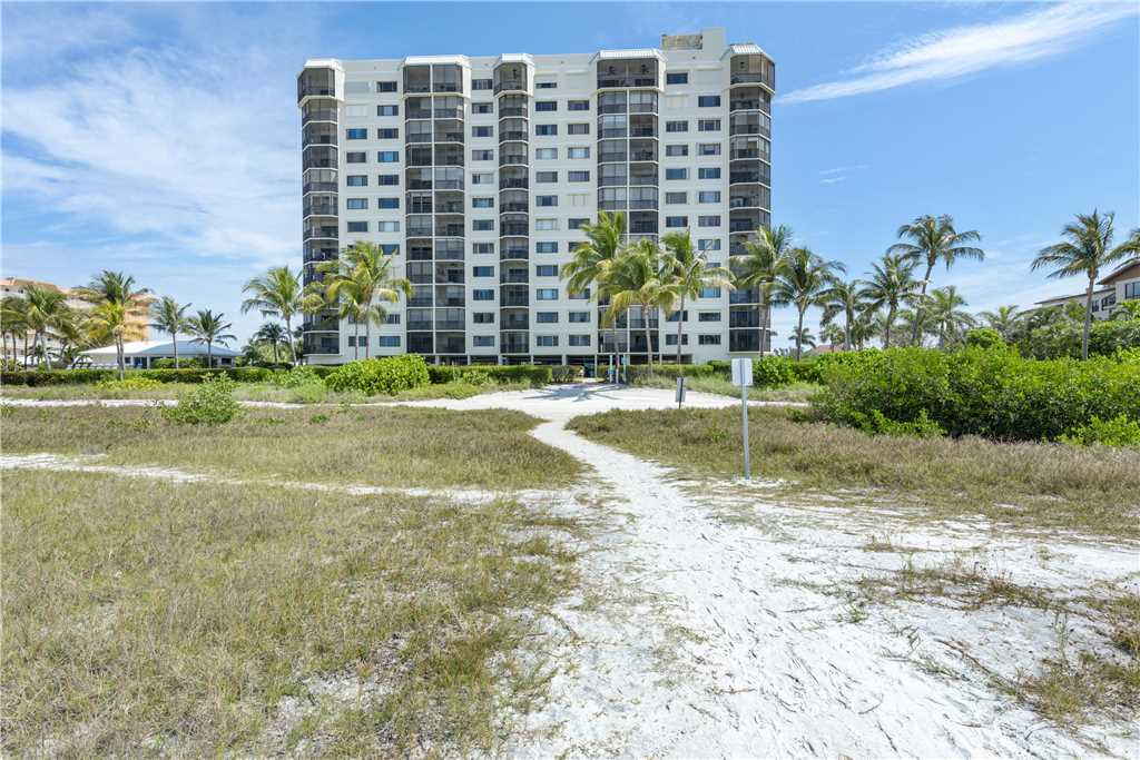 Riviera Club 706 2 Bedrooms Ocean Front Elevator Heated Pool Sleeps 6 Condo rental in Riviera Club in Fort Myers Beach Florida - #32