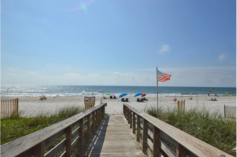 Royal Palms in Gulf Shores Alabama has a convenient walkover to the beach