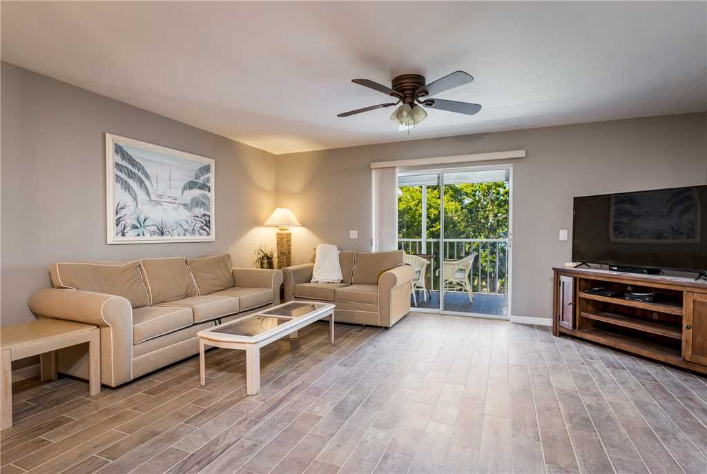 Royal Pelican 293 2 Bedrooms Canal View Elevator Heated Pool Sleeps 5 Condo rental in Royal Pelican Fort Myers Beach in Fort Myers Beach Florida - #4
