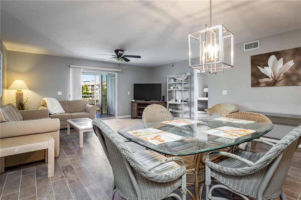 Royal Pelican 293 2 Bedrooms Canal View Elevator Heated Pool Sleeps 5 Condo rental in Royal Pelican Fort Myers Beach in Fort Myers Beach Florida - #7