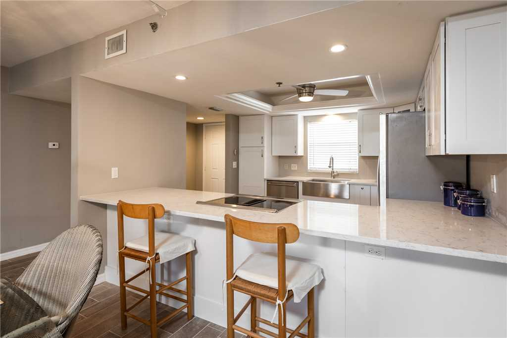 Royal Pelican 293 2 Bedrooms Canal View Elevator Heated Pool Sleeps 5 Condo rental in Royal Pelican Fort Myers Beach in Fort Myers Beach Florida - #9