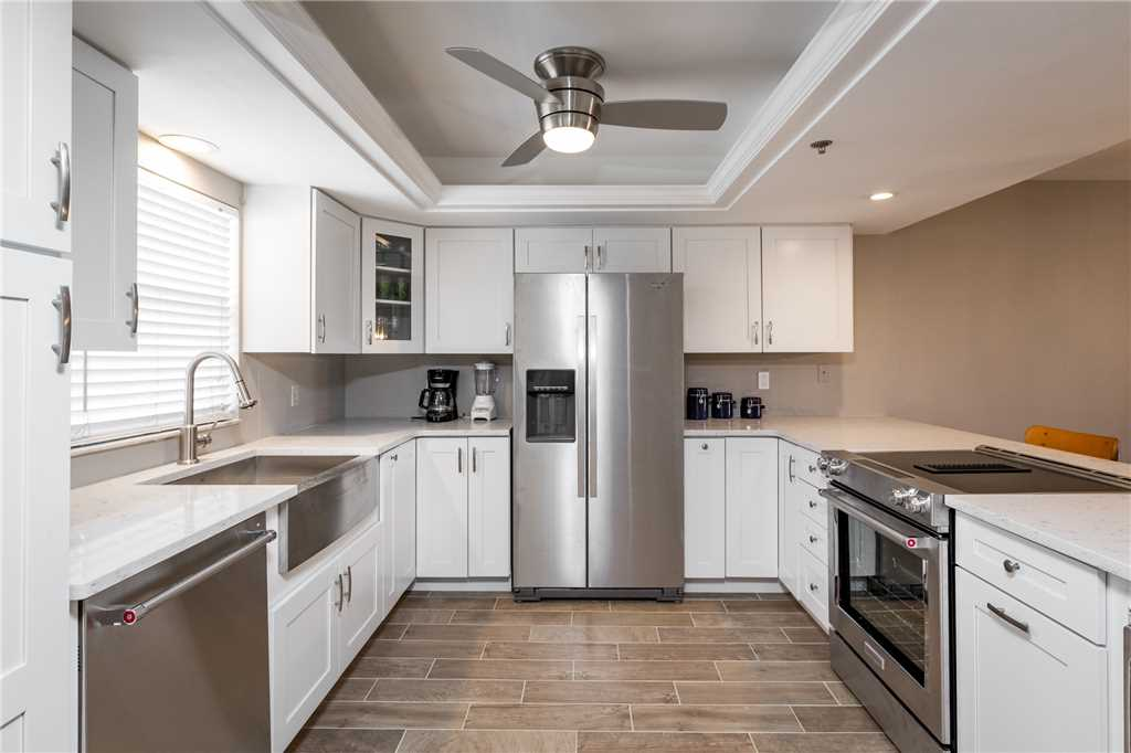 Royal Pelican 293 2 Bedrooms Canal View Elevator Heated Pool Sleeps 5 Condo rental in Royal Pelican Fort Myers Beach in Fort Myers Beach Florida - #10