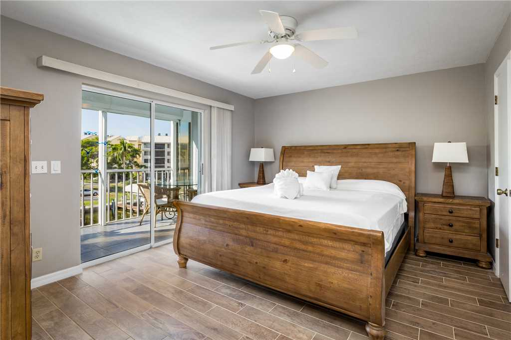 Royal Pelican 293 2 Bedrooms Canal View Elevator Heated Pool Sleeps 5 Condo rental in Royal Pelican Fort Myers Beach in Fort Myers Beach Florida - #12