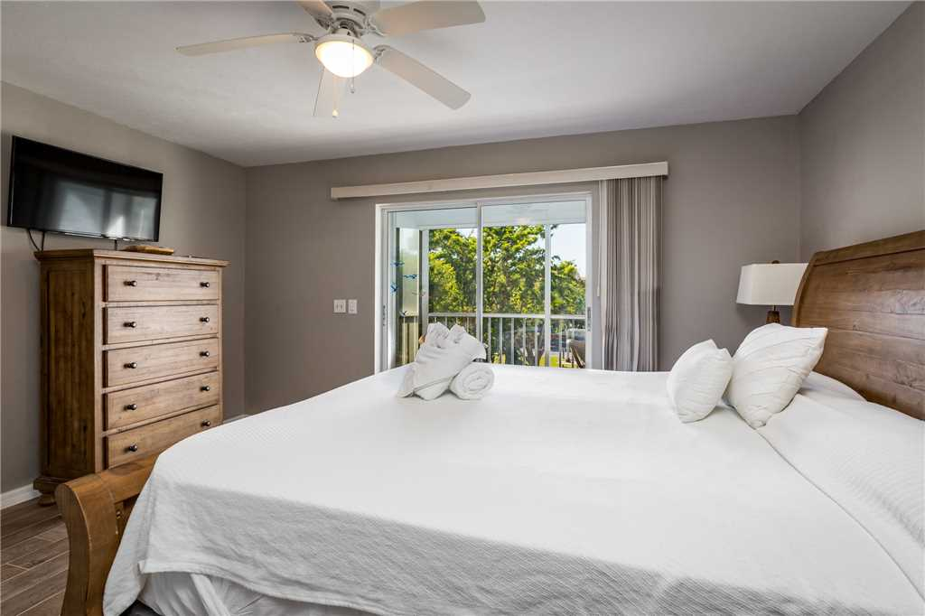 Royal Pelican 293 2 Bedrooms Canal View Elevator Heated Pool Sleeps 5 Condo rental in Royal Pelican Fort Myers Beach in Fort Myers Beach Florida - #13