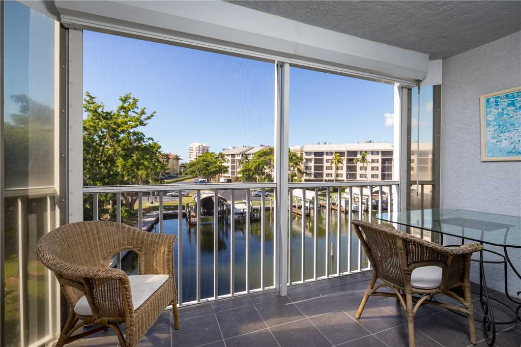 Royal Pelican 293 2 Bedrooms Canal View Elevator Heated Pool Sleeps 5 Condo rental in Royal Pelican Fort Myers Beach in Fort Myers Beach Florida - #14