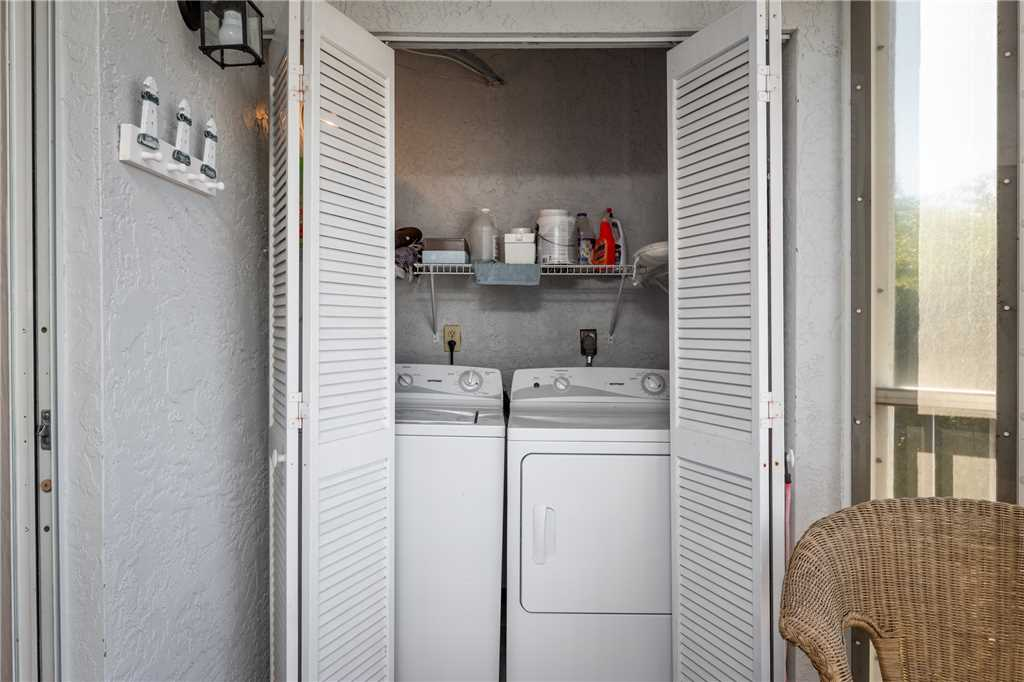Royal Pelican 293 2 Bedrooms Canal View Elevator Heated Pool Sleeps 5 Condo rental in Royal Pelican Fort Myers Beach in Fort Myers Beach Florida - #19