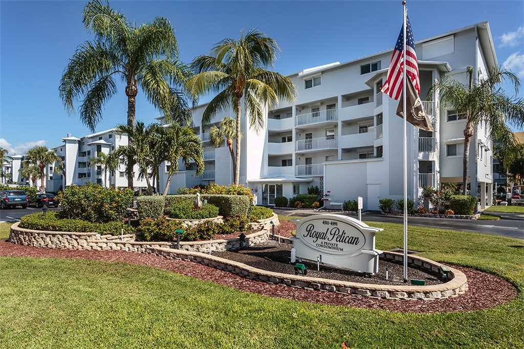 Royal Pelican 322 2 Bedrooms Canal View Elevator Heated Pool Sleeps 6 Condo rental in Royal Pelican Fort Myers Beach in Fort Myers Beach Florida - #20
