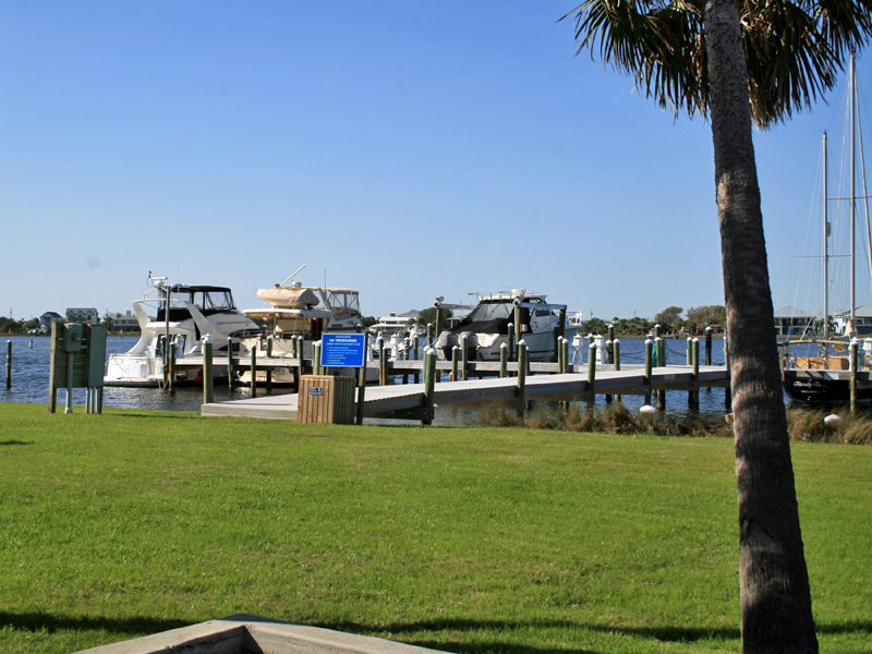 Sabine Yacht & Racquet Club 2G Condo rental in Sabine Yacht & Racquet Club ~ Pensacola Beach Condo Rentals by BeachGuide in Pensacola Beach Florida - #20
