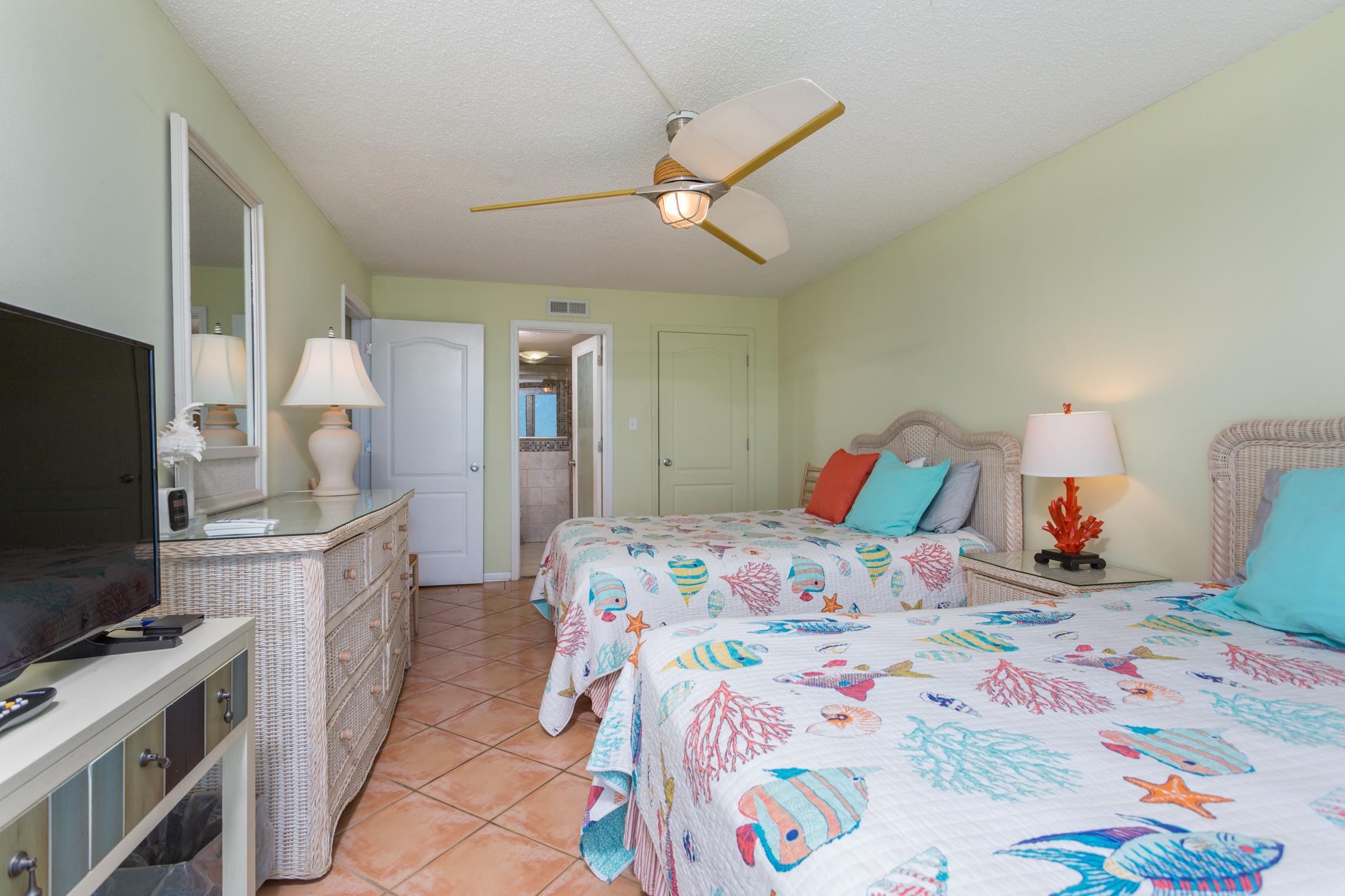 Sabine Yacht & Racquet Club #9D Condo rental in Sabine Yacht & Racquet Club ~ Pensacola Beach Condo Rentals by BeachGuide in Pensacola Beach Florida - #11