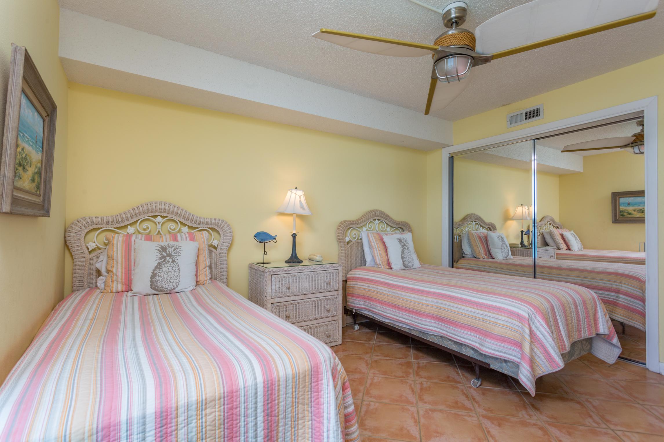 Sabine Yacht & Racquet Club #9D Condo rental in Sabine Yacht & Racquet Club ~ Pensacola Beach Condo Rentals by BeachGuide in Pensacola Beach Florida - #15