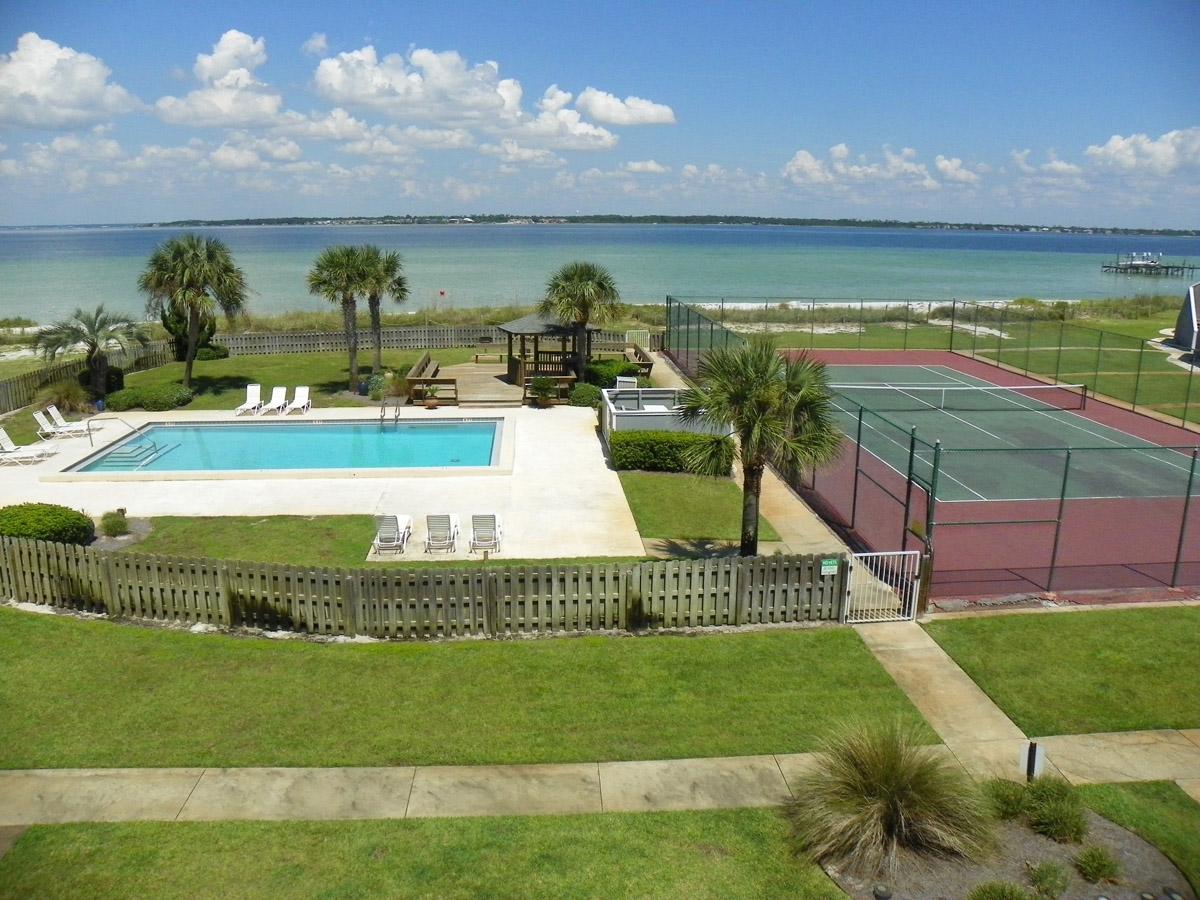 San De Luna #30 Townhouse rental in San DeLuna Pensacola Beach in Pensacola Beach Florida - #2