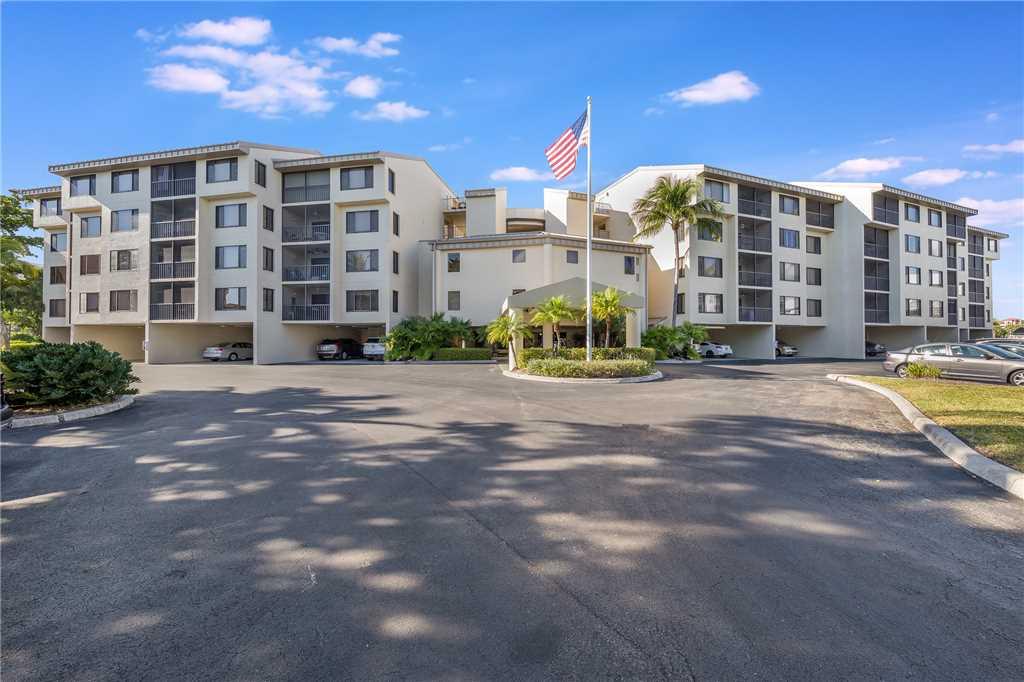 Santa Maria 306 3 Bedrooms Private Boat Dock Pool Access Sleeps 6 Condo rental in Santa Maria Condos Fort Myers Beach in Fort Myers Beach Florida - #27