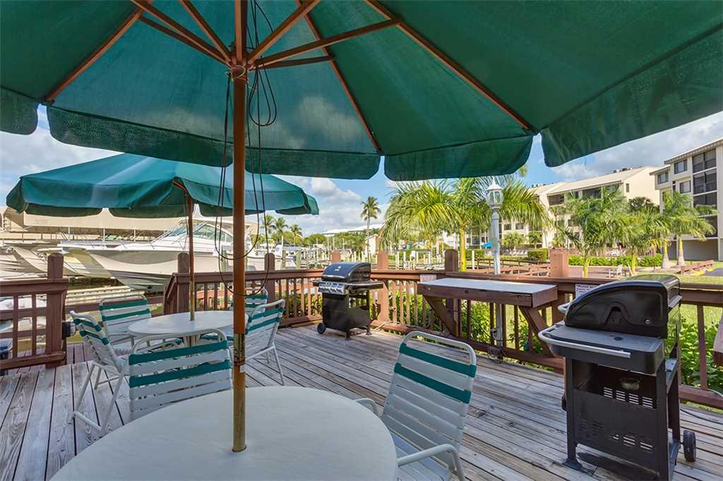 Santa Maria 306 3 Bedrooms Private Boat Dock Pool Access Sleeps 6 Condo rental in Santa Maria Condos Fort Myers Beach in Fort Myers Beach Florida - #29