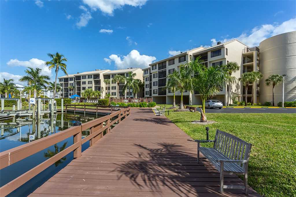 Santa Maria 306 3 Bedrooms Private Boat Dock Pool Access Sleeps 6 Condo rental in Santa Maria Condos Fort Myers Beach in Fort Myers Beach Florida - #32