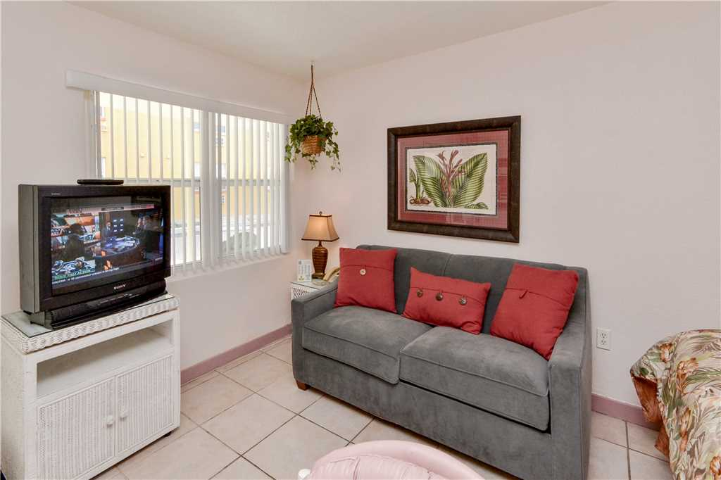 Sea Rocket 2 Studio Ground Floor BBQ Area WiFi Sleeps 4 Condo rental in Sea Rocket in St. Pete Beach Florida - #1