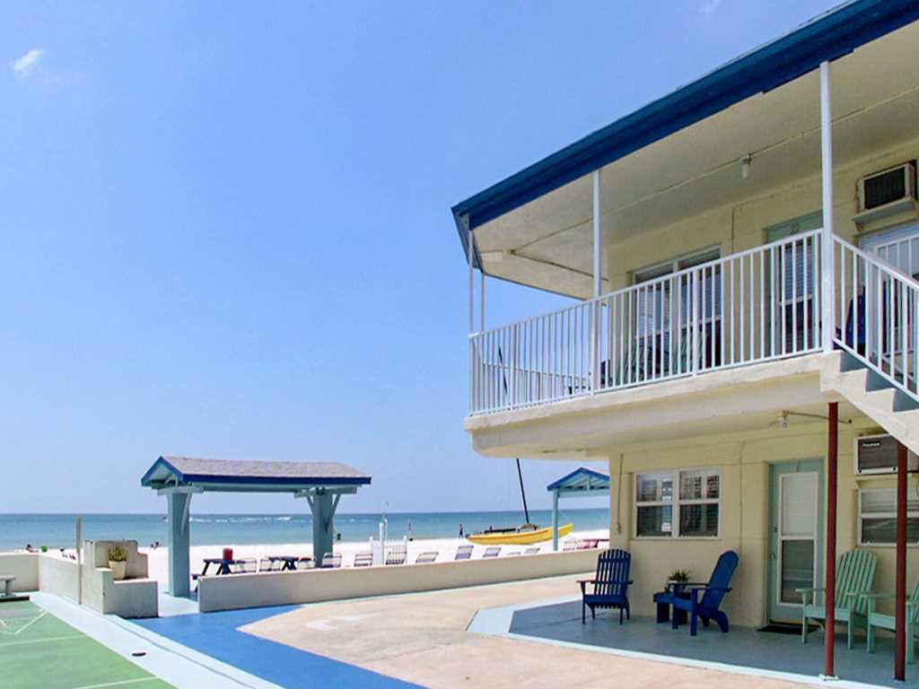 Sea Rocket 2 Studio Ground Floor BBQ Area WiFi Sleeps 4 Condo rental in Sea Rocket in St. Pete Beach Florida - #2