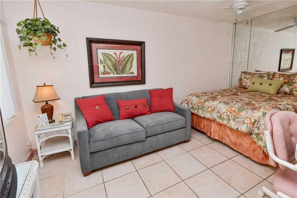 Sea Rocket 2 Studio Ground Floor BBQ Area WiFi Sleeps 4 Condo rental in Sea Rocket in St. Pete Beach Florida - #4