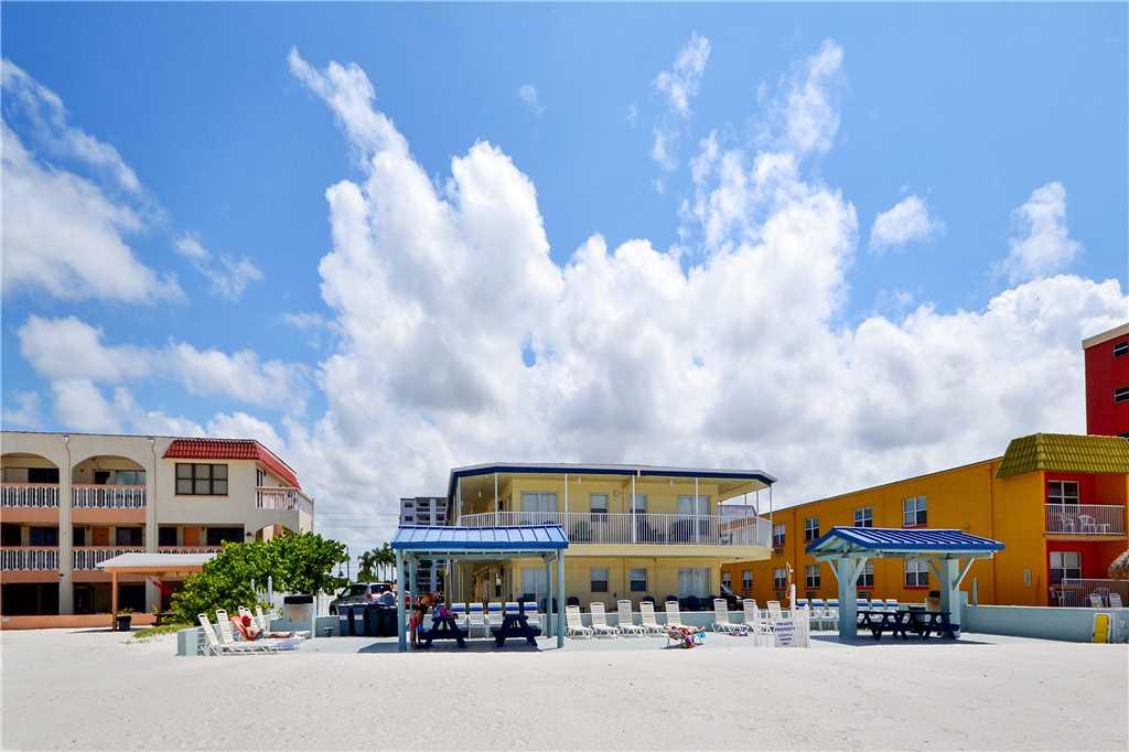 Sea Rocket 2 Studio Ground Floor BBQ Area WiFi Sleeps 4 Condo rental in Sea Rocket in St. Pete Beach Florida - #12