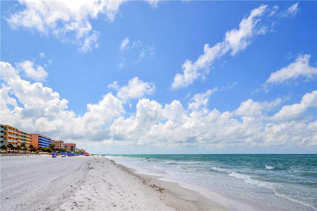 Sea Rocket 2 Studio Ground Floor BBQ Area WiFi Sleeps 4 Condo rental in Sea Rocket in St. Pete Beach Florida - #13