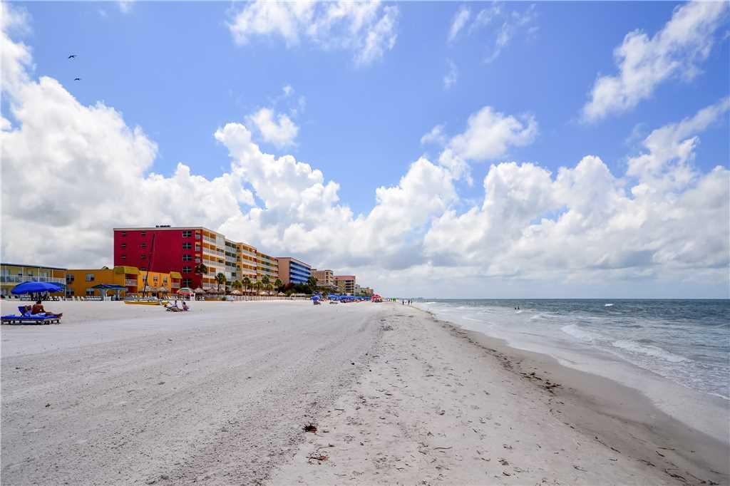 Sea Rocket 2 Studio Ground Floor BBQ Area WiFi Sleeps 4 Condo rental in Sea Rocket in St. Pete Beach Florida - #19