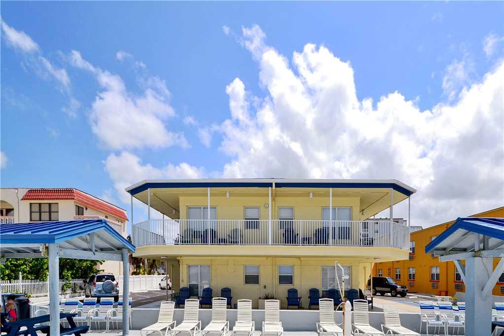 Sea Rocket 2 Studio Ground Floor BBQ Area WiFi Sleeps 4 Condo rental in Sea Rocket in St. Pete Beach Florida - #20