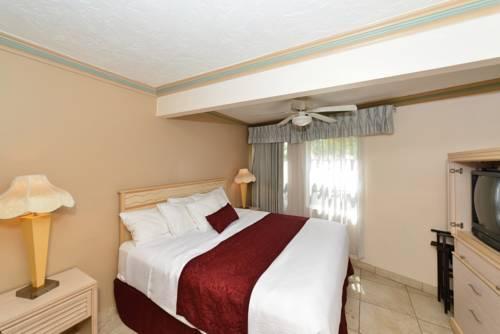 Siesta Beach Resorts And Suites in Siesta Key FL 92