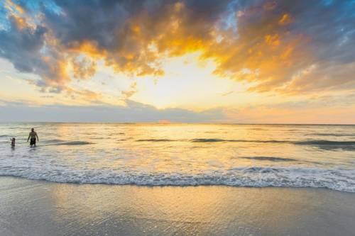Siesta Beach Resorts And Suites in Siesta Key FL 00