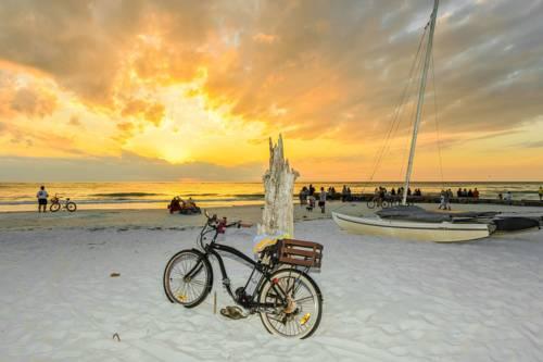 Siesta Beach Resorts And Suites in Siesta Key FL 04