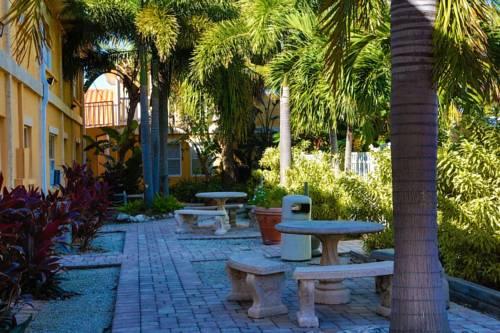 Siesta Beach Resorts And Suites in Siesta Key FL 05