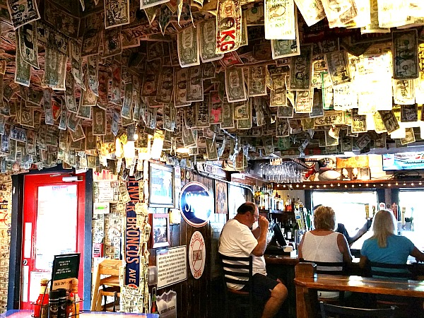 Siesta Key Oyster Bar in Siesta Key Florida