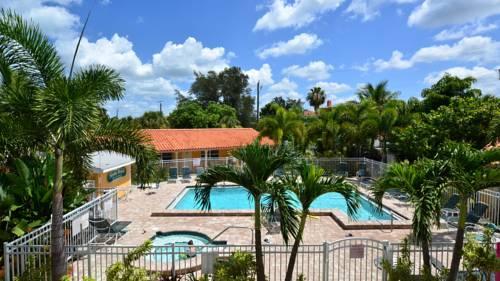 Siesta Beach Resorts And Suites in Siesta Key FL 56