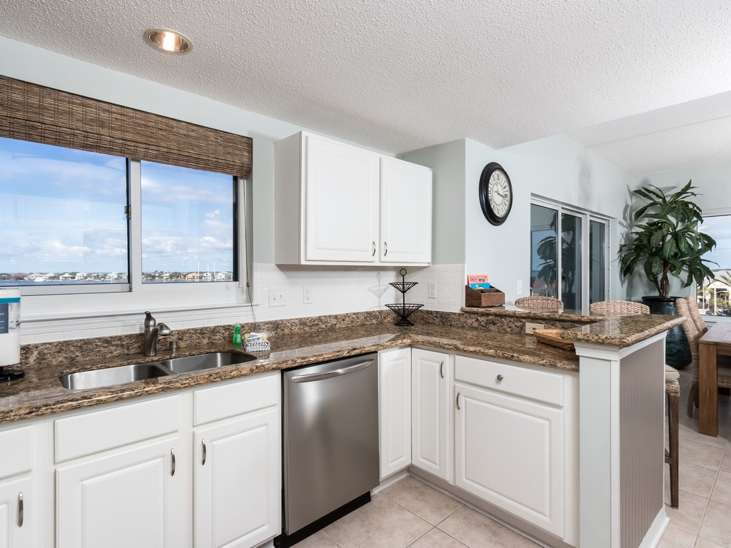 South Harbour 04F Condo rental in South Harbour ~ Pensacola Beach Vacation Rentals by BeachGuide in Pensacola Beach Florida - #12