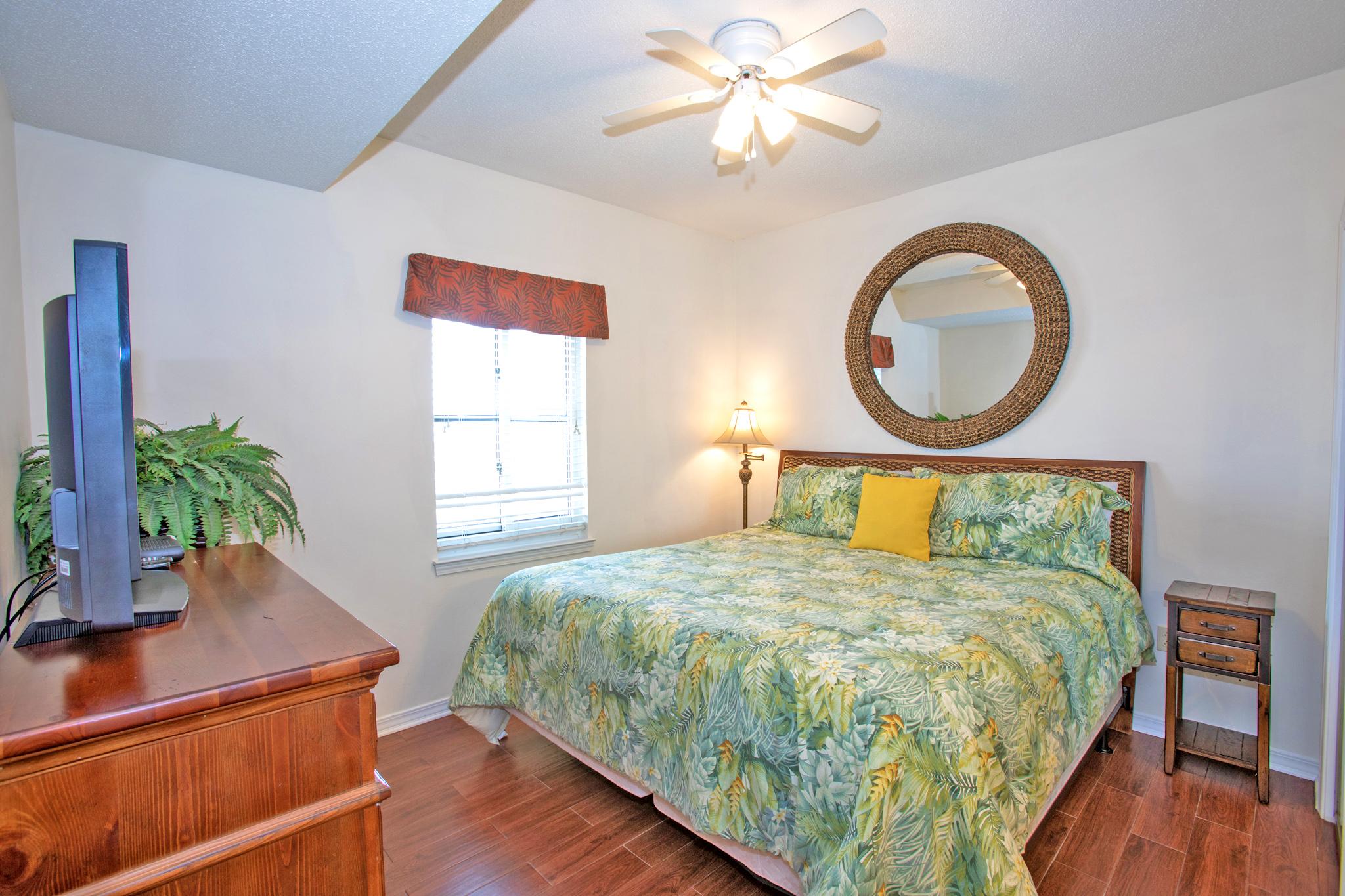 South Harbour #7E Condo rental in South Harbour ~ Pensacola Beach Vacation Rentals by BeachGuide in Pensacola Beach Florida - #7